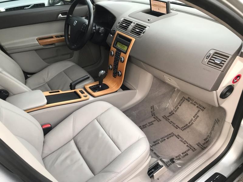 2010 Volvo V50 4dr Wgn Auto FWD