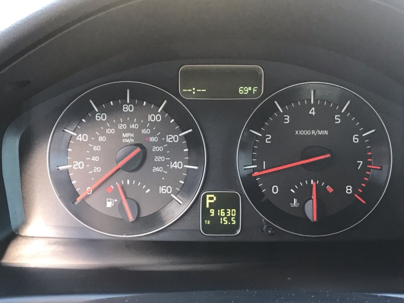 Volvo S40 T5 2011 price $6,500