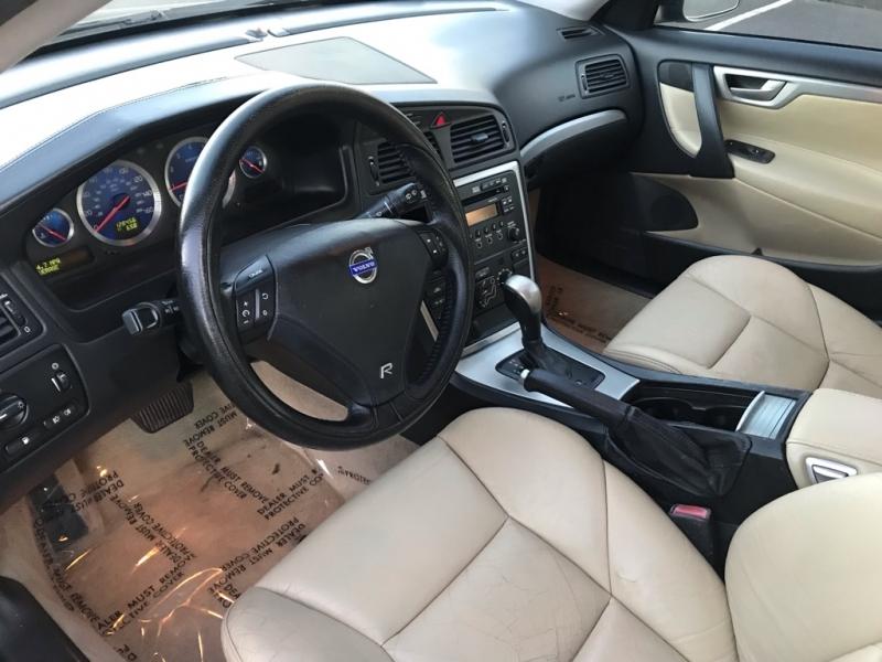 Volvo V70R 2005 price $9,900