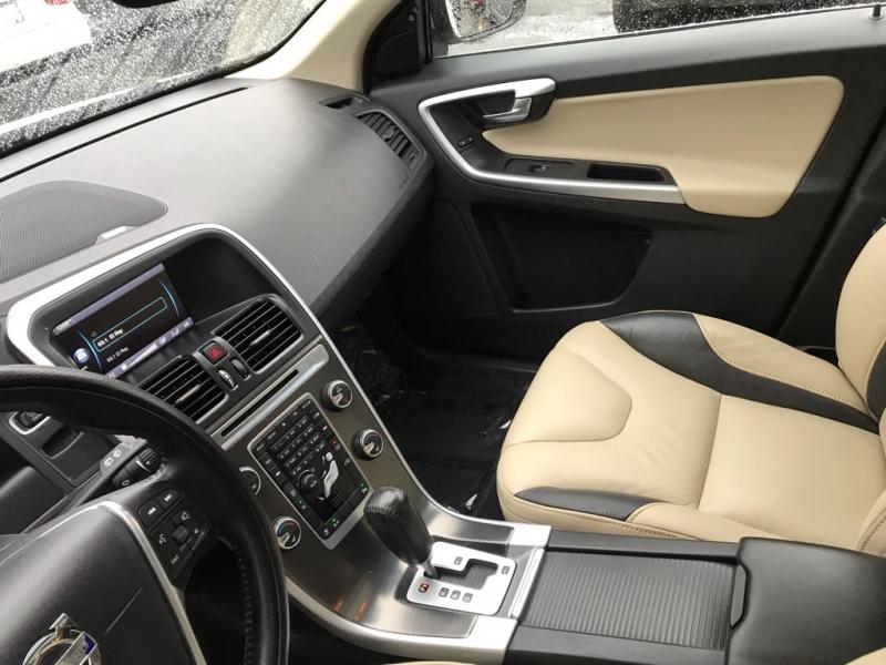 Volvo XC60 T6 R-Design Platinum 2012 price $13,900
