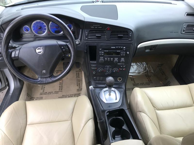 Volvo V70 2004 price $11,900