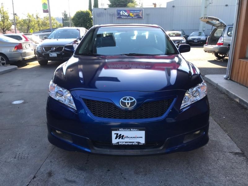 Toyota Camry 2009 price $9,900