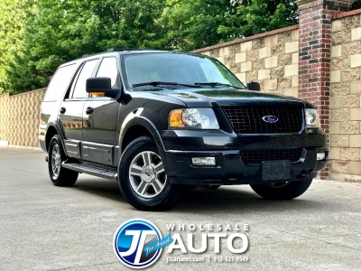 2004 Ford Expedition 5.4L Eddie Bauer 4WD *3rd Row CARFAX 1 Owner *32 Service Records *Must See!