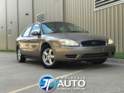 2004 Ford Taurus *CARFAX *Cold AC *New Tires