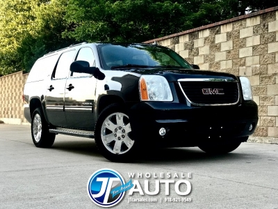 2010 GMC Yukon XL 4WD SLT *Gorgeous *Black on Black