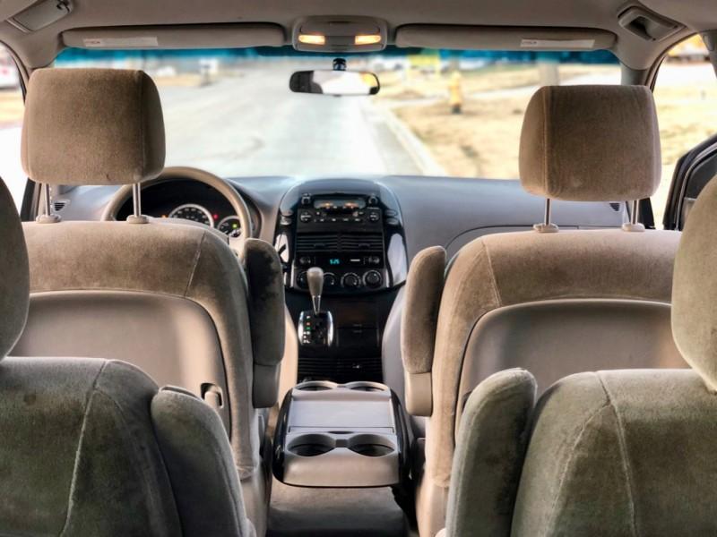Toyota Sienna 2004 price $3,998