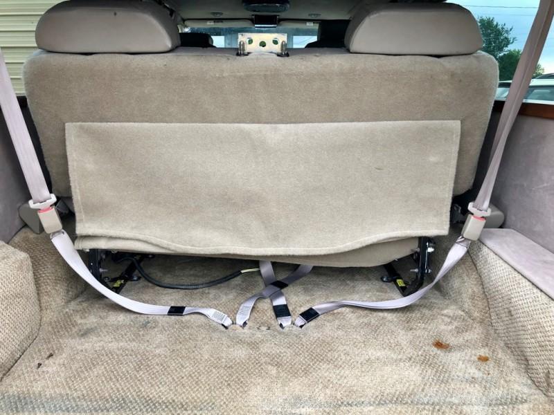 Ford Econoline Cargo Van 2004 price $4,998