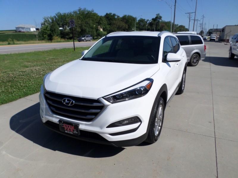 Hyundai Tucson 2018 price $18,160