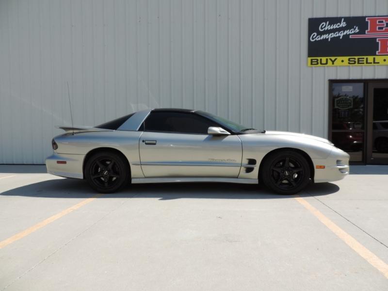 Pontiac Firebird 2000 price $9,980