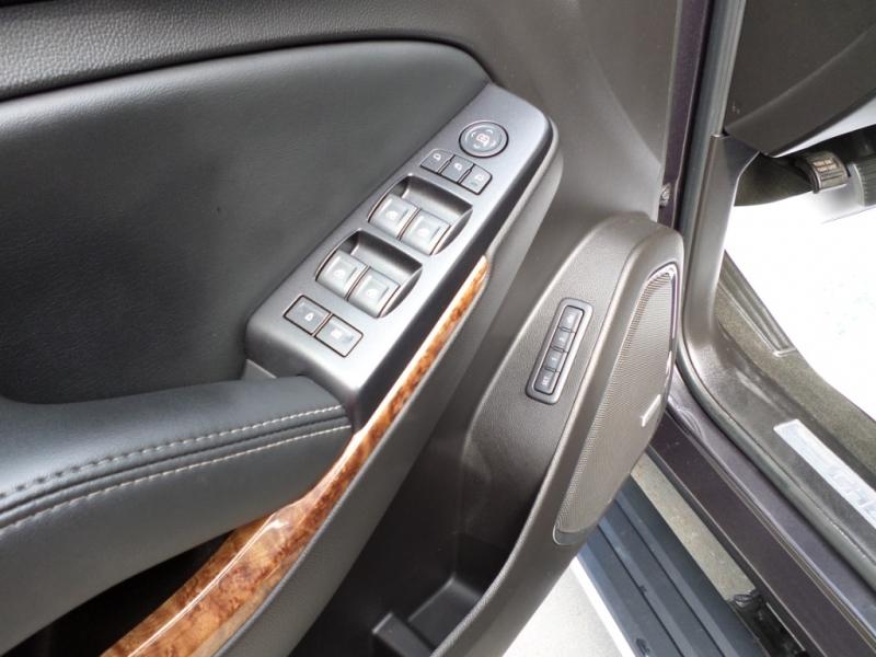 Chevrolet Suburban 2016 price $24,880