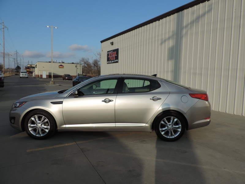 Kia Optima 2013 price $10,880