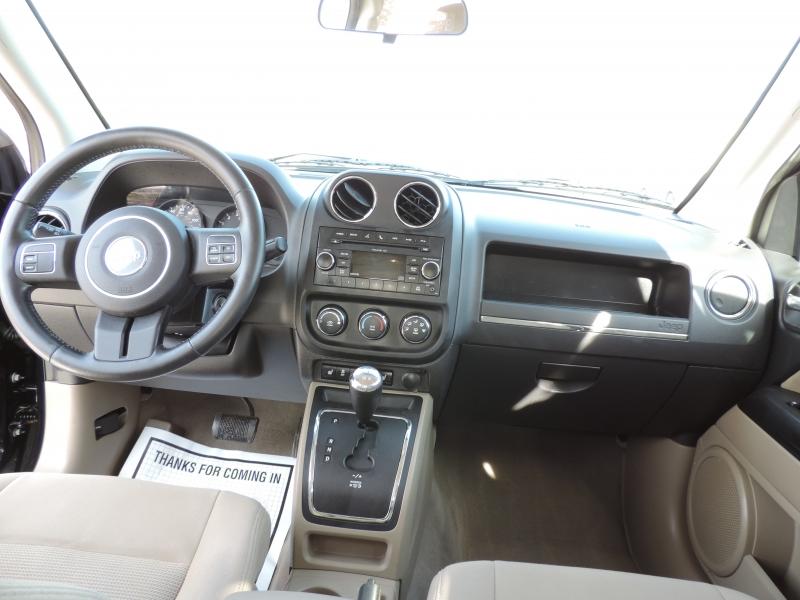 Jeep Compass 2011 price $8,890