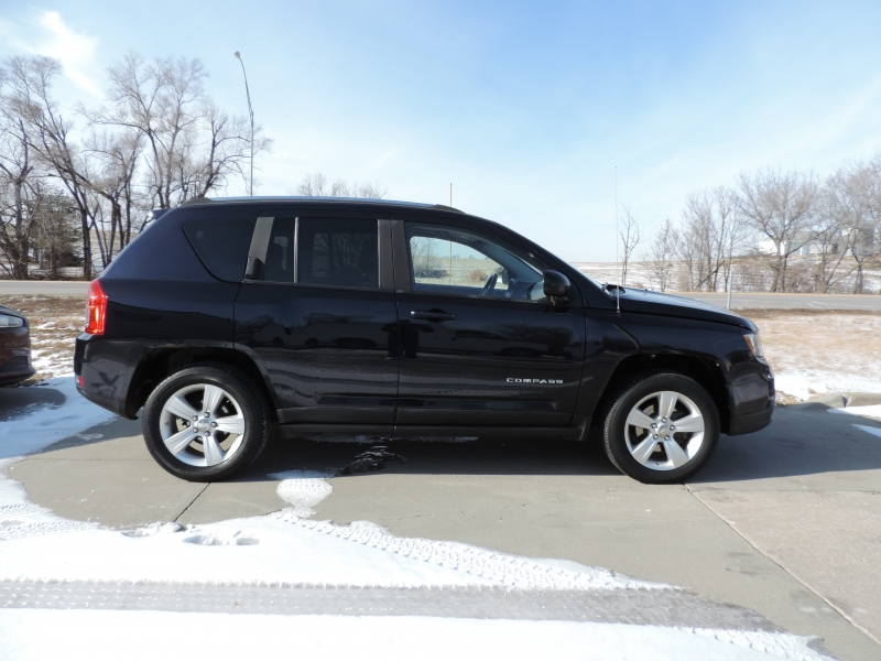 Jeep Compass 2011 price $8,890