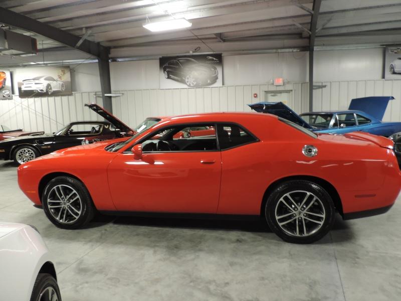 Dodge Challenger 2019 price $22,980