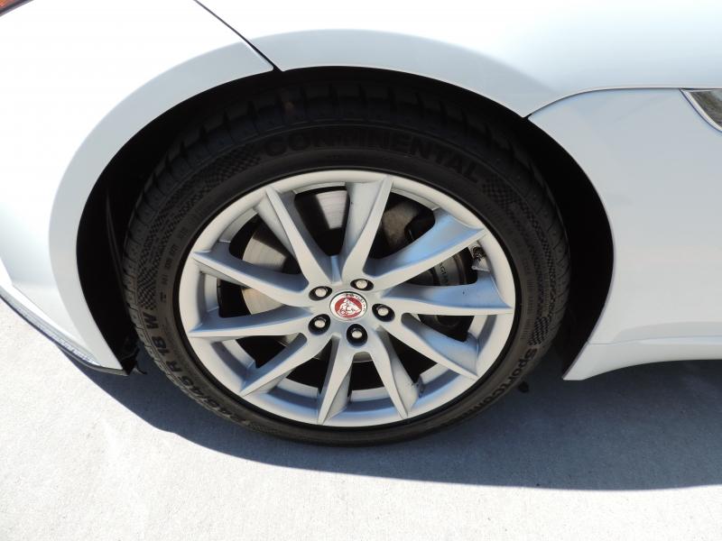 Jaguar F-TYPE 2019 price $49,980