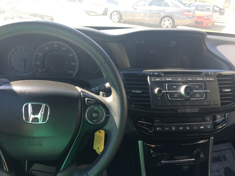 Honda Accord Sedan 2016 price $18,500