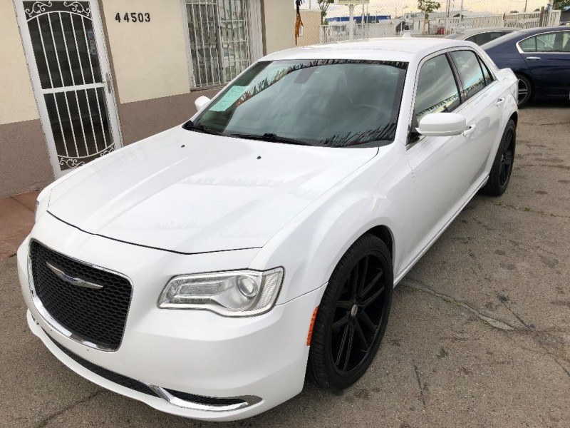 Chrysler 300 2015 price $15,400 Down