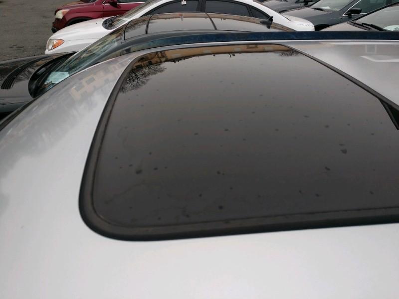 Honda CR-V 2004 price $3,990