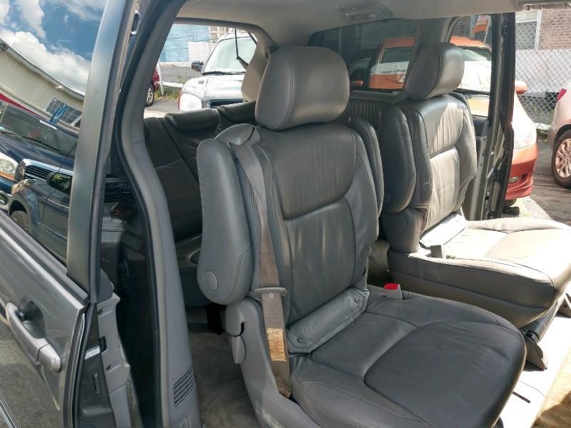 Toyota Sienna 2005 price $5,390