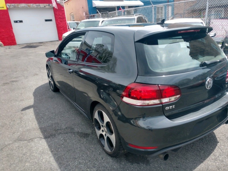 Volkswagen Golf GTI 2011 price $7,690