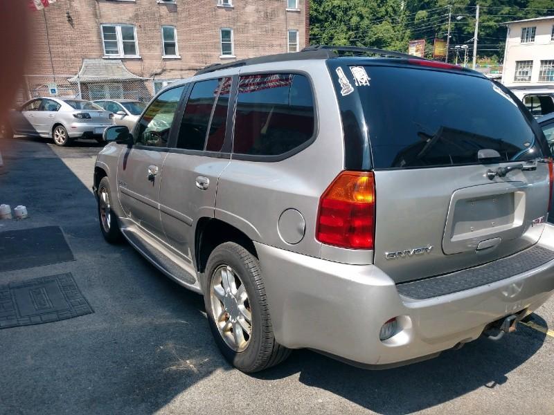 GMC Envoy 2006 price $4,895