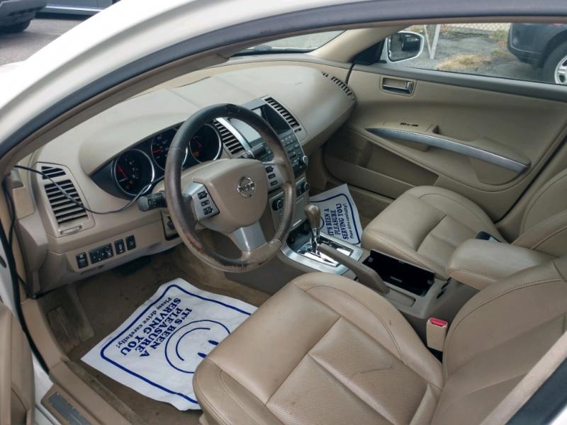 Nissan Maxima 2007 price $3,500 Cash