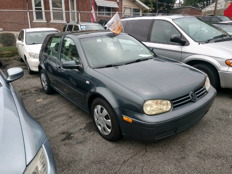 Volkswagen Golf 2004 price $1,995