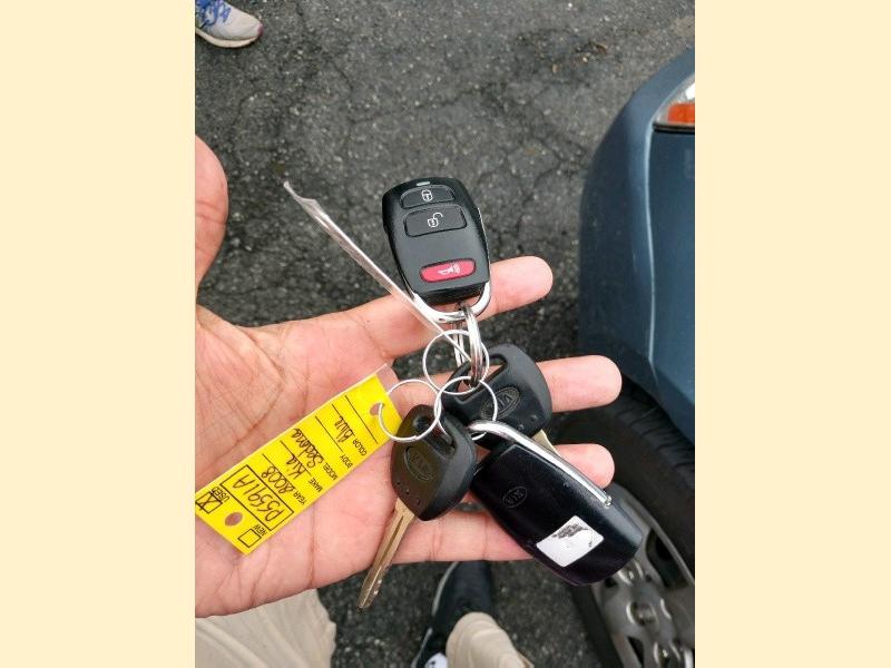 Kia Sedona 2008 price $3,990