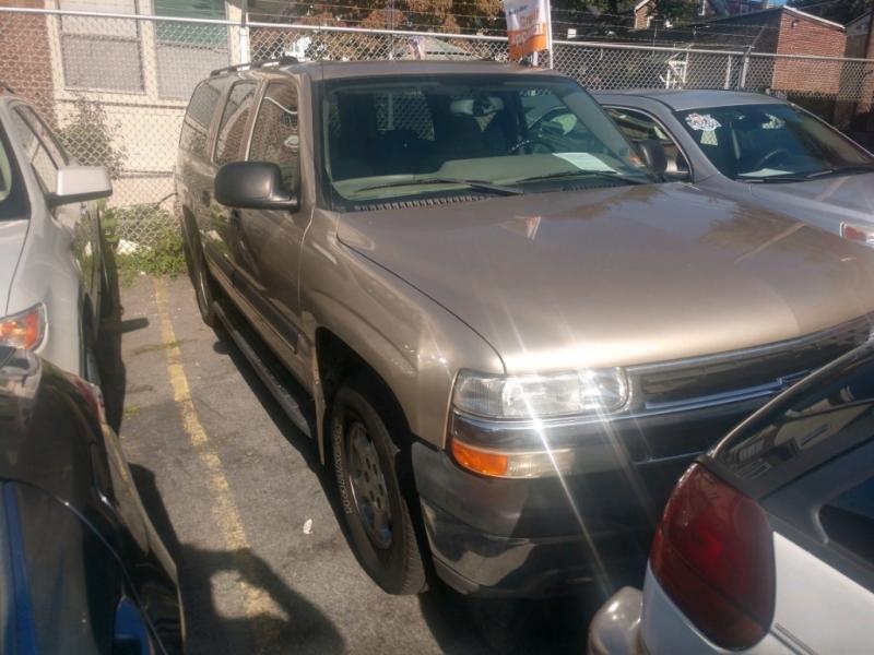 Chevrolet Suburban 2005 price $4,450 Cash