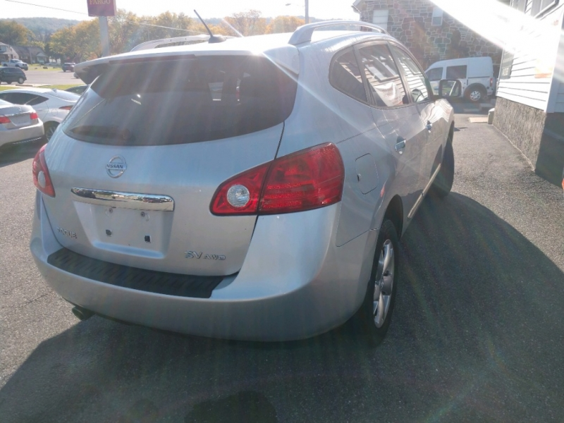 Nissan Rogue 2011 price $7,490