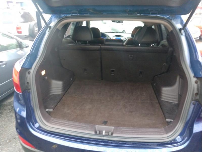 Hyundai Tucson 2010 price $4,990