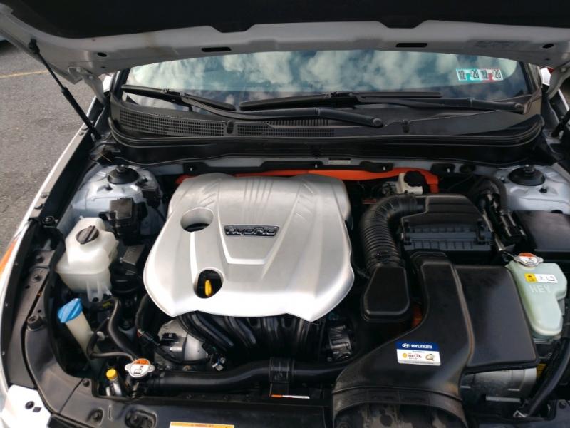 Hyundai Sonata 2012 price $6,895
