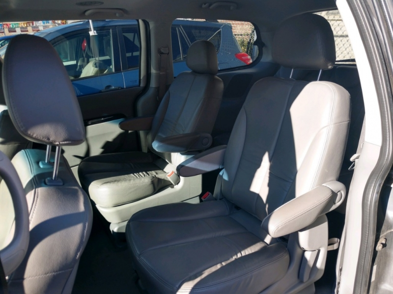 Kia Sedona 2012 price $4,995 Cash