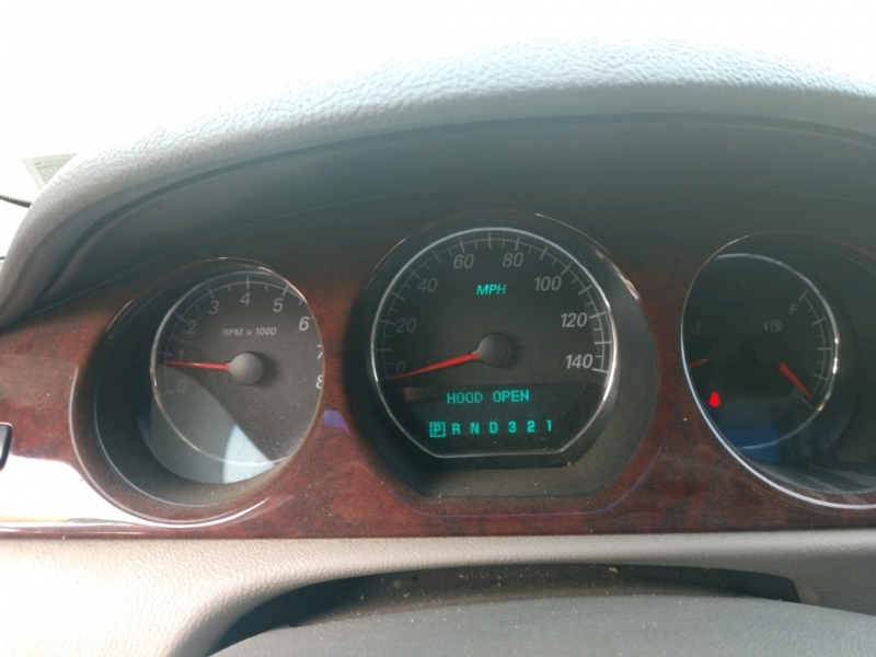 Buick Lucerne 2006 price $2,695