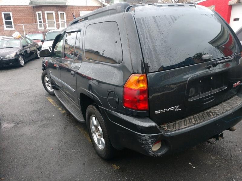 GMC Envoy 2006 price $3,295 Cash