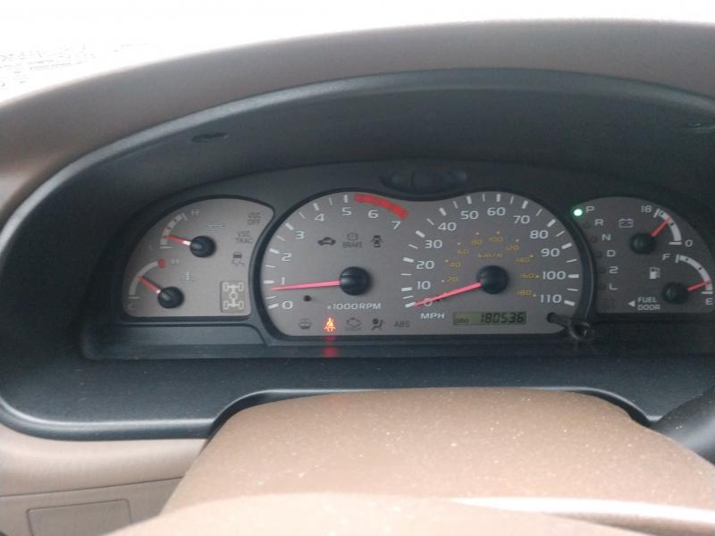 Toyota Sequoia 2004 price $5,895 Cash