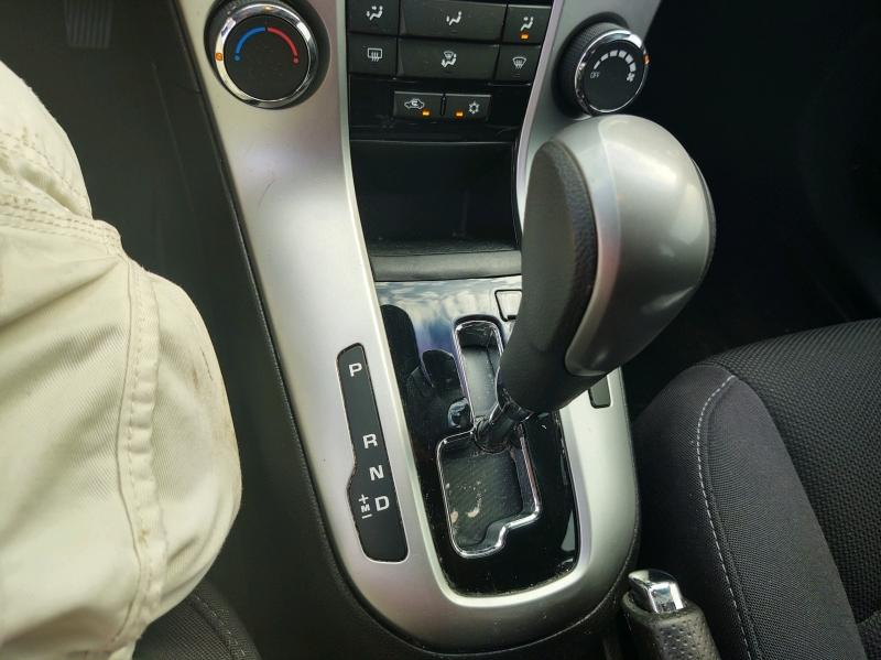 Chevrolet Cruze 2015 price $7,990