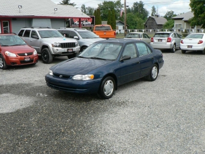 2000 Toyota Corolla 4dr Sdn VE Manual