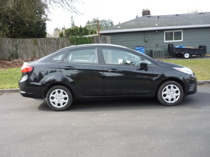 Ford Fiesta 2011 price $3,995