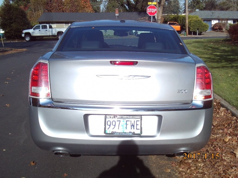 Chrysler 300 2011 price $6,450