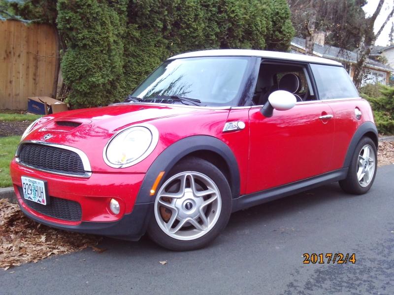 Mini Cooper Hardtop 2007 price $3,990