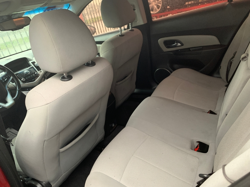 Chevrolet Cruze 2011 price $8,500