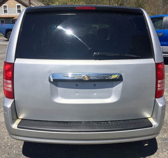 Chrysler Town and Country 2008 price $7,995