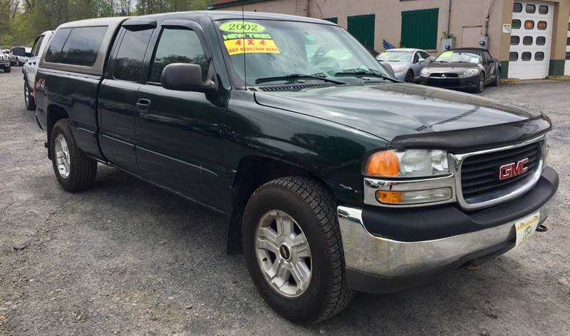 GMC Sierra 1500 2002 price $9,995