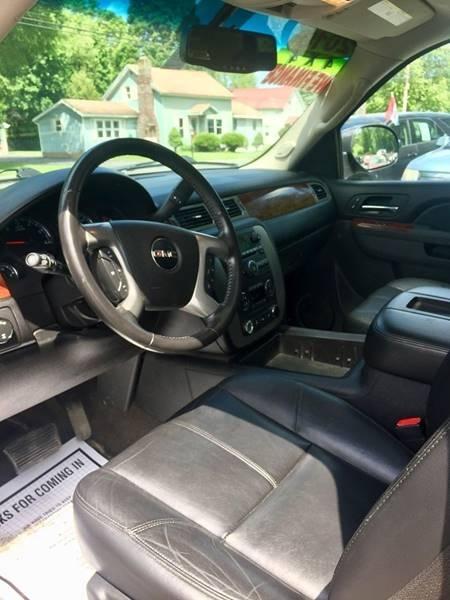 GMC Yukon XL 2010 price $15,995