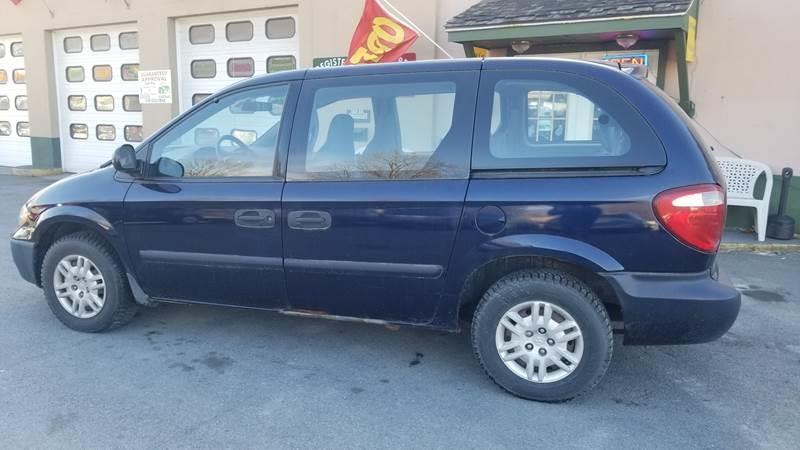 Dodge Caravan 2005 price $6,995
