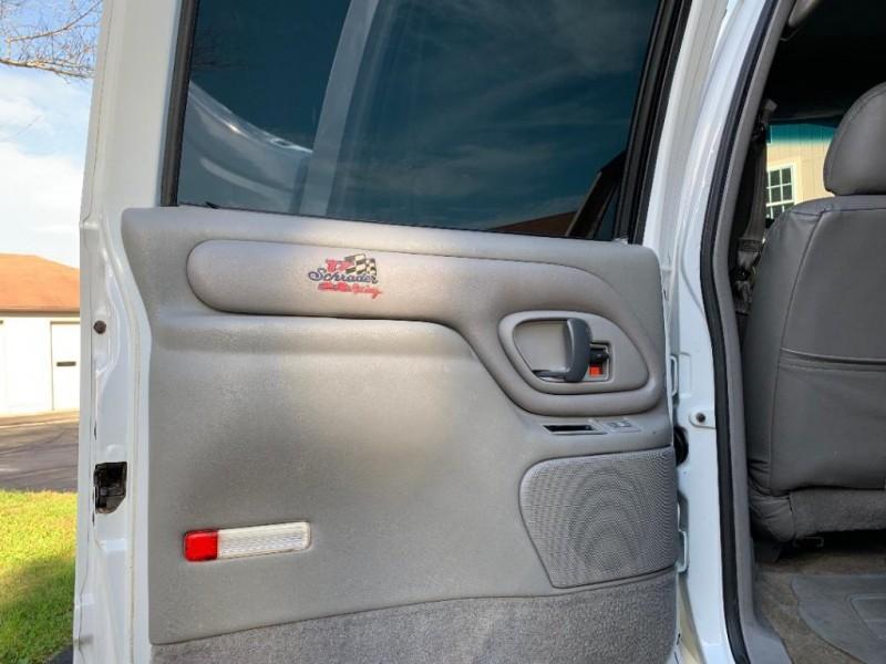 Chevrolet C/K 2500 Crew Cab 1999 price $29,900