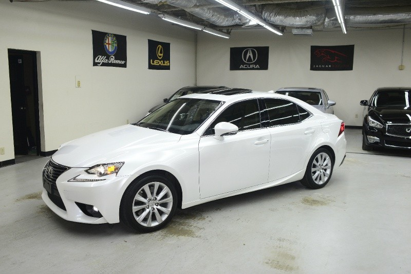 Lexus IS 200t 2016 price $21,995
