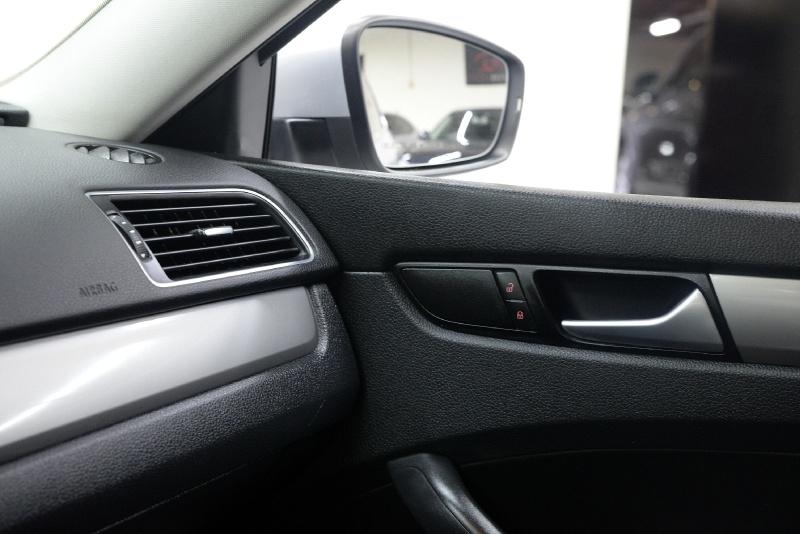 Volkswagen Passat 2015 price $9,995