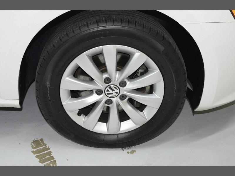 Volkswagen Passat 2015 price $10,995